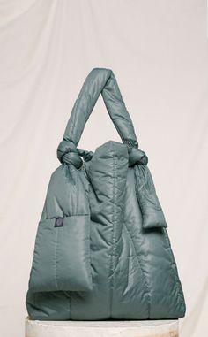 Ideas for fashion diy bag projects Expensive Handbags, Clutch Bag, Tote Bag, Fashion Bags, Diy Fashion, Best Bags, Denim Bag, Beautiful Bags, My Bags