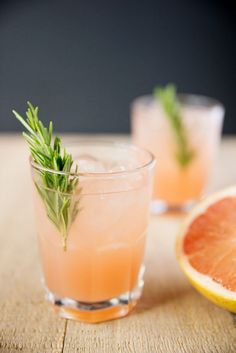 Herbal Cocktail to Try: Rosemary Greyhound Cocktail