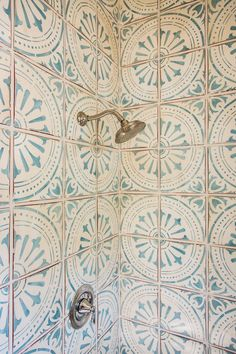 Patterned shower - Tabarka Signature in royal blue on off white Boho Bathroom, Bathroom Floor Tiles, Tile Bathrooms, Small Bathroom, Moroccan Bathroom, Bathrooms Decor, Bathroom Hacks, Bathroom Colors, Wall Tiles