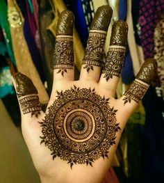 The most popular and unique Black Henna Designs for hands is present on this page. Hope you people like those designs and try them in Round Mehndi Design, Mehandi Design For Hand, Henna Art Designs, Mehndi Designs 2018, Stylish Mehndi Designs, Mehndi Design Pictures, Mehndi Designs For Girls, Wedding Mehndi Designs, Tattoo Designs