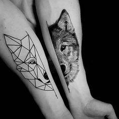 hier sind zwei wolf tattoos und zwei hände   wolf tribal