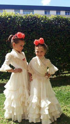 Rocío Peralta Flamenco Party, Flamenco Dancers, Larp Fashion, Nice Dresses, Flower Girl Dresses, Girls Dresses, Spanish Dancer, Mexican Fashion, Dress Up Boxes