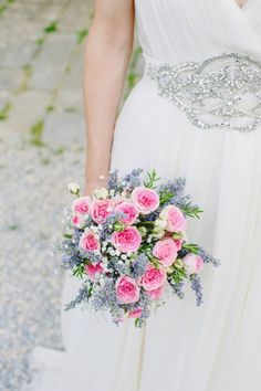 <3 the bridal bouquet of roses & lavender! Isabel + Will: A Romantic Tuscan Wedding via http://limnandlovely.com | Photography by http://cinziabruschini.it Flowers by http://stiattifiori.it