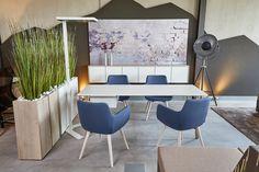 Niagara - Von dem Pantone-Institut als Trendfarbe für 2017 gekührt, vermittelt der Blauton auch in Besprechungen Natürlichkeit. Hier als Bezug für den Loungestuhl Soul.