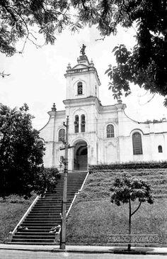 Igreja São Sebastião, Rua Santo Antônio, atrás do Parque Halfeld, em fevereiro de 1965 (foto autoria de Jorge Couri).