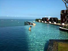 Infinity Pool 16th Floor_Hilton Pattaya Hotel