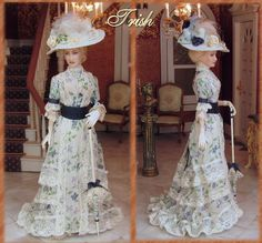 miniature dolls Trish, dressed in 1898 Spring costume. Porcelain miniature dolls by Annemarie Kwikkel. Victorian Dolls, Victorian Dollhouse, Dollhouse Dolls, Miniature Dolls, Antique Dolls, Vintage Dolls, Vintage Dresses, Vintage Outfits, Gibson Girl