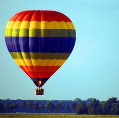Voar de balão - experiência incrível ao nascer do sol ☼