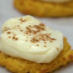 Softer than a regular sugar cookie my Keto Pumpkin Cookies with Maple Cream Cheese Frosting are even more delicious. Softer than a regular sugar cookie my Keto Pumpkin Cookies with Maple Cream Cheese Frosting are even more delicious. Keto Friendly Desserts, Low Carb Desserts, Low Carb Recipes, Dessert Recipes, Pumpkin Recipes Keto, Dessert Ideas, Breakfast Recipes, Galletas Keto, Halloween Sugar Cookies