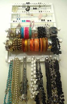DIY Hanging Jewelry Organizer Tutorial another inspiring example