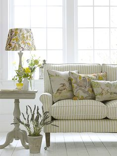 Voyage Maison craft beautiful designer fabrics, wallpapers and home accessories for your living room, kitchen, bedroom and bathroom. Style At Home, Country Cushions, Interior Exterior, Interior Design, Home And Living, Living Room, Country House Interior, Spring Home, Soft Furnishings