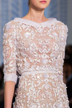 View all the detailed photos of the Ralph & Russo haute couture spring 2016 showing at Paris fashion week. Read the article to see the full gallery. Mom Dress, Lace Dress, Ralph Et Russo, Butterfly Fashion, Couture Details, Fashion Details, Beautiful Outfits, Beautiful Things, Runway Fashion