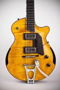 Electric Guitar model by Beardsell Guitars. Made by luthier Allan Beardsell of Beardsell Guitars from Winnipeg, Manitoba province in Canada. Guitar Rack, Guitar Pins, Music Guitar, Cool Guitar, Playing Guitar, Acoustic Guitar, Ex Machina, Guitar Building, Gretsch