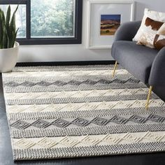 Shop for Safavieh Hand-Woven Natura Southwestern Grey / Ivory Wool Rug - x Get free delivery at Overstock - Your Online Home Decor Store! Get in rewards with Club O! Rug Size Guide, Area Rug Sizes, Fashion Room, Beach House Decor, Grey Rugs, Home Decor Trends, Online Home Decor Stores, Online Shopping, Decoration