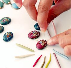 Amazing and gorgeous polyclay jewelry.  What a technique!  EvaThissen