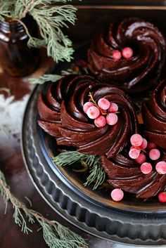 I'm in love with these mini Chocolate & Beet Bundt Cakes - Merceditas Bakery