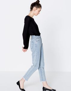 Mom fit jeans - Jeans - Clothing - Woman - PULL&BEAR Netherlands