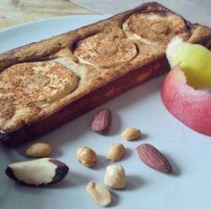 bananenbrood met appelbeleg en noten.