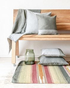 LOOK | Style your home with pure materials. These cushions from Binti Home are made of 100% linnen. The kelim is made in Egypt and consists also of 100% wool. Shop these products at Bintihomeshop.nl { link in profile } #bintihomeshop #bintihome #bintihomestyle #shopthestyle #shopthelook #onlineshop #shop #shopping #winkelen #winkeltip #webwinkel #style #interior #home #kelim #geweven #handwerk #linnen #kussens #puur #natuur #nature #materials