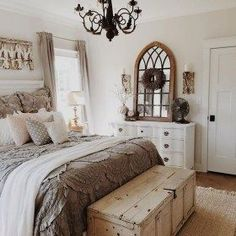 Rustic Farmhouse Bedroom Ideas For A Rustic Country Home more search: farmhouse bedroom decorating ifarmhouse decorating ideas bedroom, deas, farmhouse master bedroom ideas, farmhouse style bedroom ideas, modern farmhouse bedroom ideas. Small Master Bedroom, Small Bedrooms, Master Bedroom Design, Home Decor Bedroom, Bedroom Furniture, Bedroom Designs, Master Suite, Diy Bedroom, Farm Bedroom