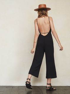 Sometimes making a full outfit is hard. We get it. The Mitra Jumpsuit will be there for you in these times of need. Just throw it on and you are ready for anything. https://www.thereformation.com/products/mitra-jumpsuit-solitaire?utm_source=pinterest&utm_medium=organic&utm_campaign=PinterestOwnedPins