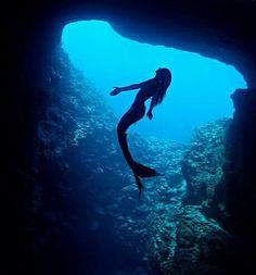 Imagen de mermaid, blue, and ocean