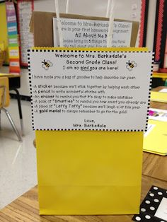 LOVE her classroom! It looks like everything I would want to do/make for mine. Minus the bee theme, but that's cute too!
