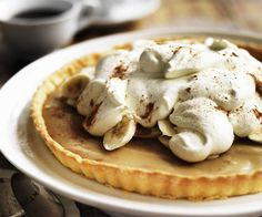 Banoffee pie recipe - By Australian Women's Weekly, Ah, banoffee pie! The combination of banana, caramel and cream is irresistible in this crowd-pleasing pie. Tart Recipes, Best Dessert Recipes, Fun Desserts, Savoury Recipes, Condensed Milk Recipes, Caramel Tart, Banoffee Pie, Milk Cake, Sweet Pie