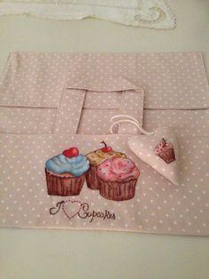 Porta torte con pittura su stoffa
