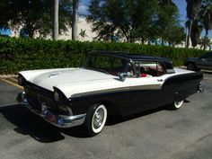 My friend Juan Suarez' '57 Ford Skyliner retractable. A must see!