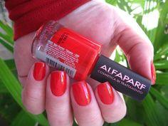 http://www.cuidadosevaidades.com.br/2014/08/esmalte-alfaparf-vermelho-intenso-021.html