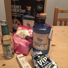 First delivery from The Craft Gin Club - how exciting! 🍸 #craftginclub #gunpowderirishgin #drumshanbo #orientalbotanicals #gunpowdertea #tenacre #thedaysweetandsourbecamefriends #wasabipeas #newyorkdeli #cardamomtonic #peterspanton