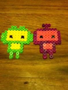 perler robot couple. by CrimsonChaos39