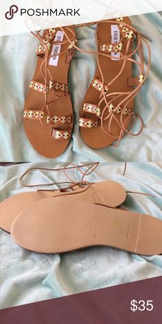 Steve Madden boho tribal lace up Sandals Leather New !! Steve Madden Shoes Sandals