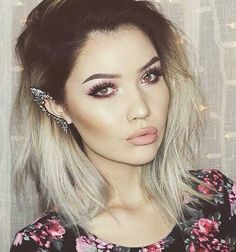 I love the contouring it's amazing her make up is so perfect day to day look x