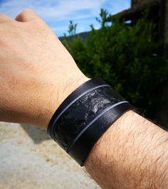 braccialetto in cuoio