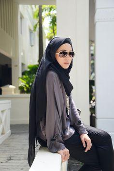 Grey and black. #hijab