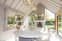 A sumptuous Cheshire kitchen proves just why the area has earned its reputation for luxuri...