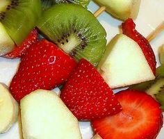 Pinchos de frutas | Recetas para niños