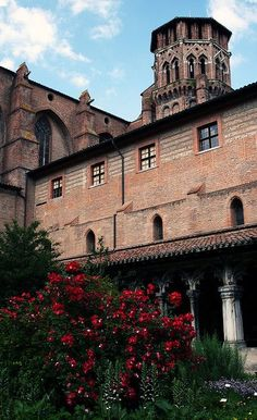 The tower of the Augustins Convent, which is now part of the Musee des Augustins in Toulouse, France Beautiful World, Beautiful Places, Ville Rose, Toulouse France, Belle Villa, Dordogne, Historical Architecture, France Travel, Belgium