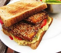 Sandwich de tofú rebozado