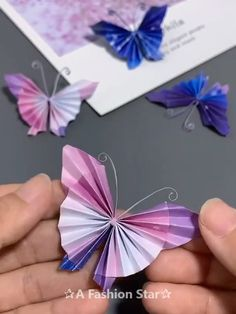 Cute paper crafts for kids Paper Flowers Craft, Paper Crafts Origami, Paper Crafts For Kids, Diy Paper, Origami Flowers, Diy Crafts Hacks, Diy Crafts For Gifts, Creative Crafts, Instruções Origami