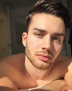 Beautiful Men Faces, Beautiful Lips, Gorgeous Men, Pretty Men, Pretty Boys, Eye Candy Men, Scruffy Men, Stylish Boys, Handsome Faces