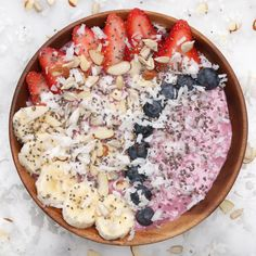 Enjoy A Healthy Breakfast With This Tasty Berry Smoothie Bowl Recipe on Yummly Healthy Smoothies, Healthy Drinks, Smoothie Recipes, Healthy Snacks, Healthy Recipes, Strawberry Smoothie Bowl Recipe, Recipe Berry, Smoothie Detox, Strawberry Banana
