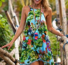 Damas Swing vestido-Aqua floral mixto flor estampado con Aqua POM POMLadies Swing Dress – Aqua Floral Mixed flower Print with Aqua Pom Pom'sLILLA' Sexy Dresses, Casual Dresses, Summer Dresses, Mini Dresses, Short Dresses, Ladies Dresses, Floral Dresses, Style Floral, Mini Robes