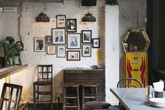 Dishoom London: an homage to the now-fading Irani cafés in Bombay / parkandcube