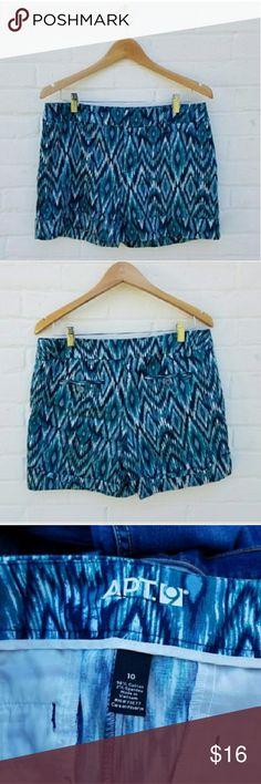 "Apt 9 Blue Patterned Cuffed Shorts Like new . Cuffed hem.  Waist approx 17"" laying flat . Inseam approx 5""  #082404 Apt. 9 Shorts"