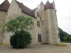 A partir de 1661, le chateau de Chalandray fait partie de l'immense duché de la Meilleraye, tenu par la famille de la Porte.