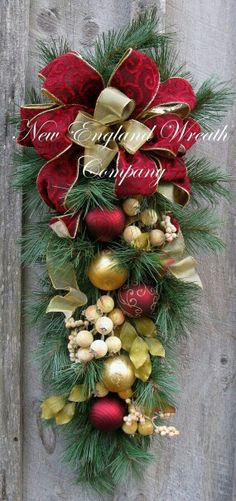 Beacon Hill Colonial Holiday Swag by NewEnglandWreath Paper Christmas Decorations, Christmas Arrangements, Christmas Swags, Noel Christmas, Christmas Centerpieces, Outdoor Christmas, Holiday Wreaths, Christmas Projects, Holiday Decor
