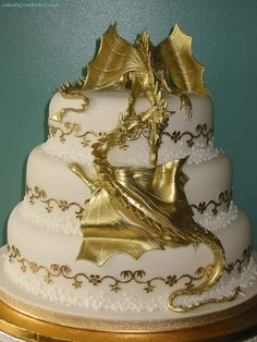 OMG this dragon cake is amazing, but I wouldn't want to eat it. from - Dragon wedding cake by CakeBeyondBelief  Rustic Wedding Cake Toppers, Wedding Cake Designs, Wedding Cakes, Pretty Cakes, Beautiful Cakes, Amazing Cakes, Dragon Wedding Cake, Geek Wedding, Wedding Ideas